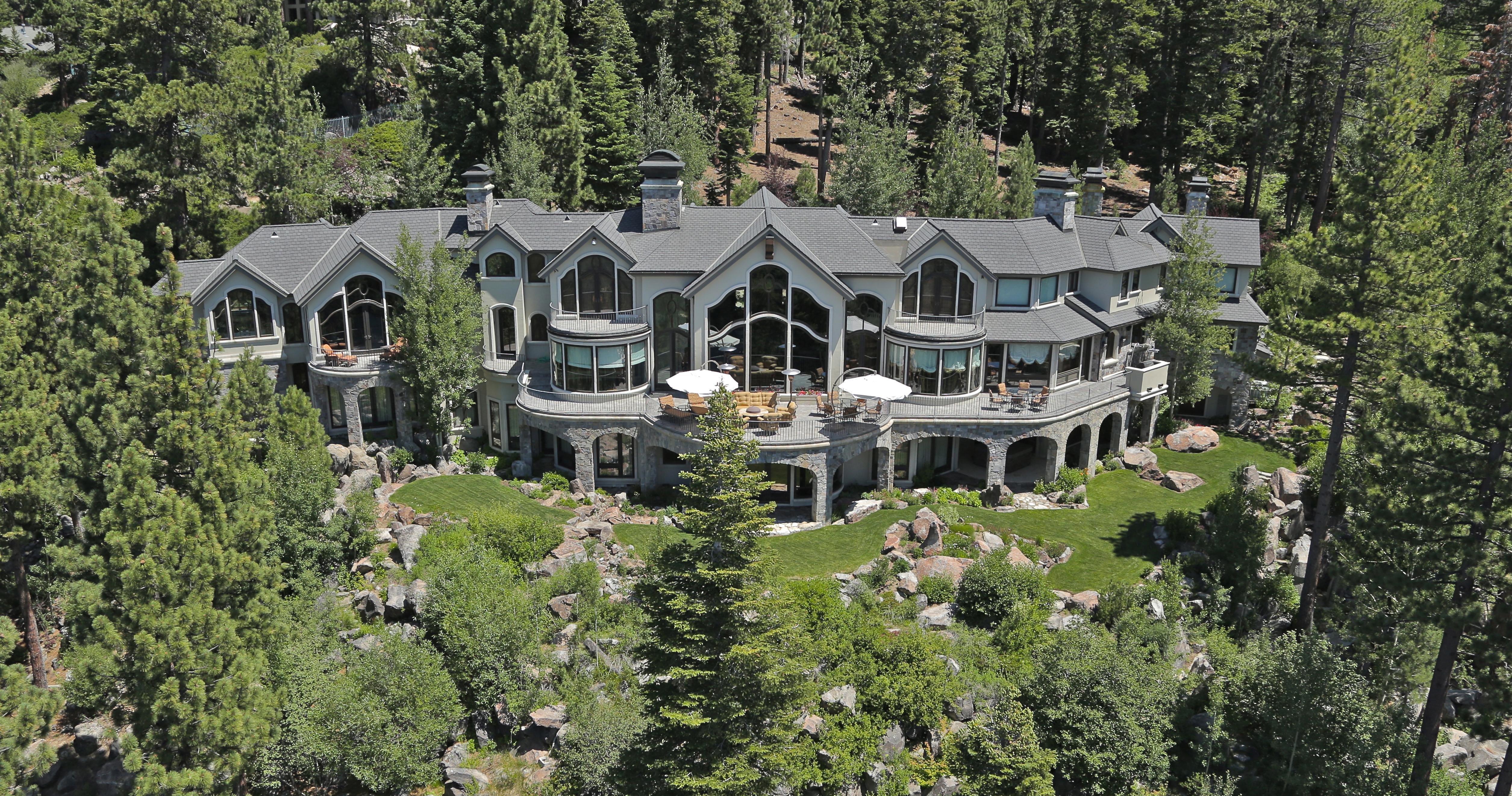 Lake tahoe real estate tahoe luxury properties for Luxury homes for sale in lake tahoe